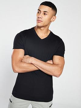 very-man-essential-v-neck-t-shirt-black