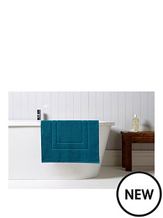 christy-brixton-850gsm-towelling-bath-mat-peacock