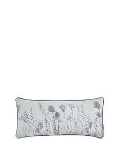 gallery-wild-winter-bloom-cushion