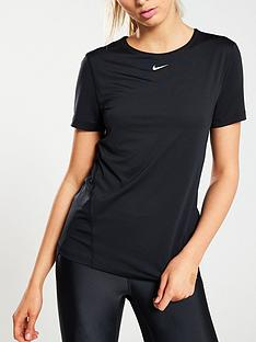nike-training-pro-short-sleeve-t-shirt-black