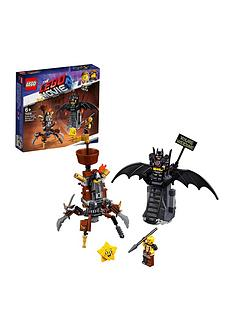 the-lego-movie-2-70836-battle-ready-batmantrade-and-metalbeard