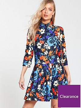 v-by-very-turtleneck-pleated-dress-print