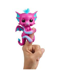 fingerlings-baby-dragon-sandy