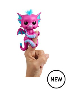 fingerlings-baby-dragon-sandy