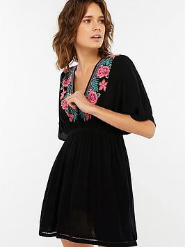accessorize-rebecca-embroidered-kaftan-black