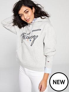 tommy-jeans-script-hoodie-grey