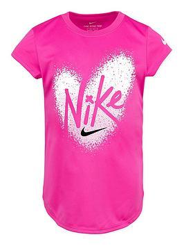 nike-younger-girls-pixel-heart-drop-tail-t-shirt-pink