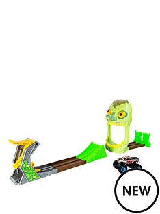 monster-jam-zombie-zone-playset