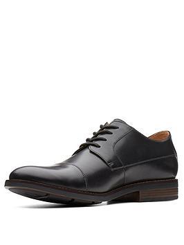 Clarks  Becken Cap Leather Lace Up Shoe - Black