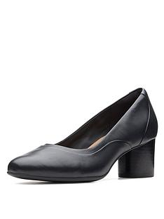clarks-unstructured-un-cosmo-step-heeled-shoes-black