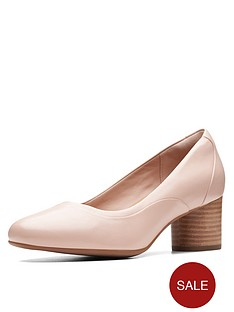 02381e0f90 Clarks Unstructured Un Cosmo Step Court Heeled Shoes - Nude