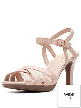 clarks-adriel-wavy-wide-fit-heeled-sandals-dusty-pink