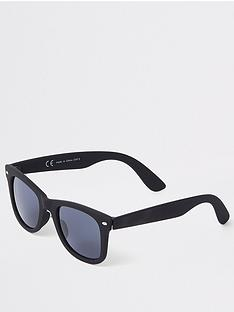 river-island-black-rubberised-wayfarer