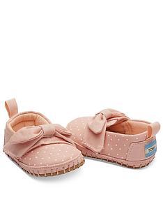 toms-baby-girl-alpargata-crib-shoe