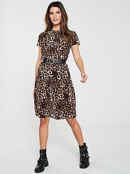 v-by-very-leopard-plisse-dress-print