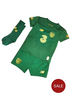 new-balance-ireland-infant-home-kit-set-green