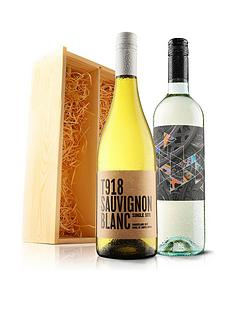 virgin-wines-2-bottles-of-white-wine-in-a-wooden-gift-box