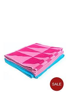 downland-triangle-beach-towel-pair