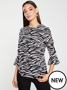 v-by-very-fluted-sleeve-shell-top-zebra