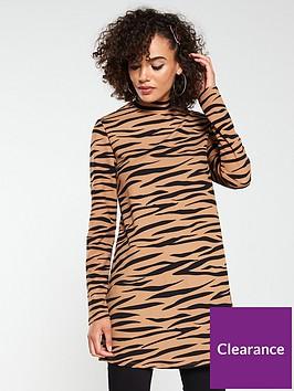 v-by-very-long-sleeve-tunic-animal-print