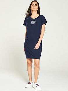 tommy-jeans-graphic-logo-t-shirt-dress-black-iris