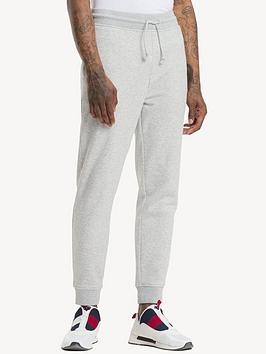tommy-jeans-classic-logo-joggers
