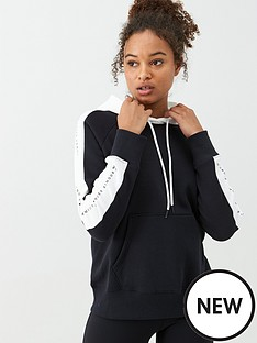 under-armour-rival-fleece-graphic-hoodie-novelty-blackwhitenbsp