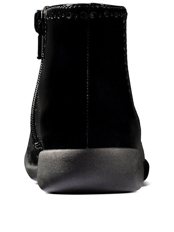 Ladies Clarks Lease Party Black Leather Zip Up Smart Ankle Boots