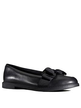 clarks-youth-scala-shine-bow-loafers-black