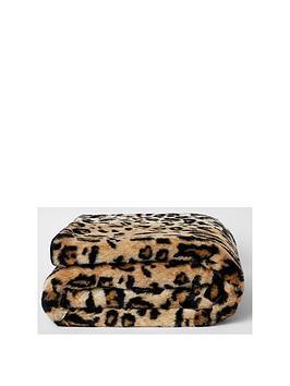 river-island-faux-fur-leopard-print-throw