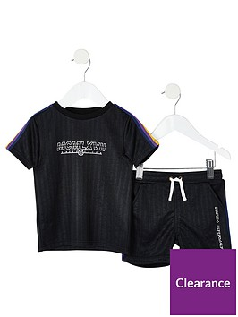 river-island-mini-boys-black-taped-t-shirt-outfit