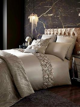 kylie-minogue-estelle-housewife-pillowcase-pair