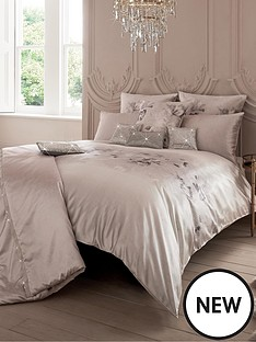 kylie-minogue-luciana-square-pillowcase