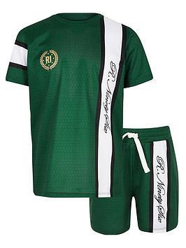 river-island-boys-r96-mesh-t-shirt-outfit-green