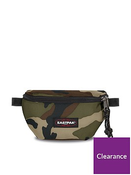 eastpak-springer-bum-bag-camo
