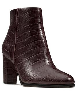 Clarks Clarks Kaylin Fern Ankle Boot - Burgundy Picture