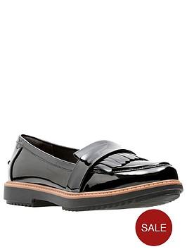 clarks-raisie-theresa-loafers-black