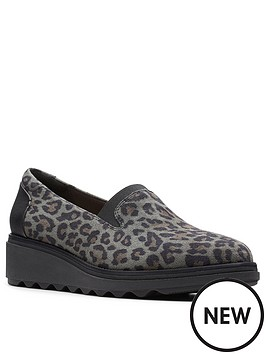clarks-sharon-dolly-slip-on-wedge-shoes-leopard-print