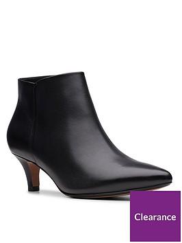 clarks-linvale-sea-shoe-boot