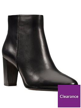 clarks-kaylin-fern-shoe-boot