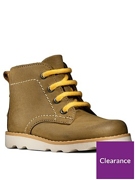 clarks-crown-hike-lace-up-boots-tan