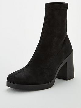 office-artichoke-sock-boots-black