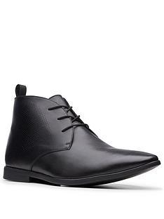 clarks-bampton-up-boot
