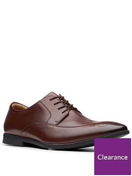 clarks-bampton-wing-shoe-brown