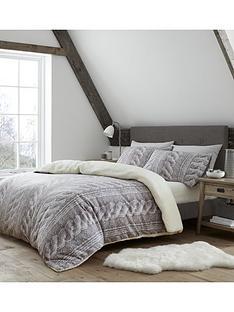 catherine-lansfield-cable-knit-fleece-duvet-cover-set