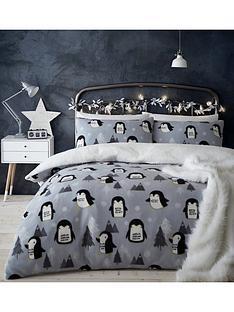 catherine-lansfield-cosy-penguin-fleece-christmas-duvet-cover-set
