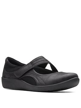 clarks-cloudsteppers-wide-fit-sillian-bella-flat-shoes-black