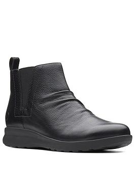 clarks-clarks-unstructured-un-adorn-mid-ankle-boot