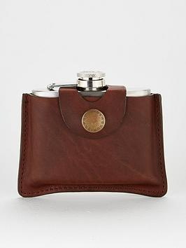 barbour-5oz-hinged-hipflask-tan