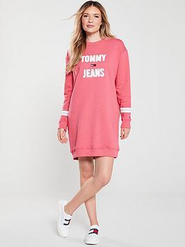 tommy-jeans-logo-sweatshirt-dress-pink